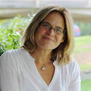 Headshot of Alison Hearn.